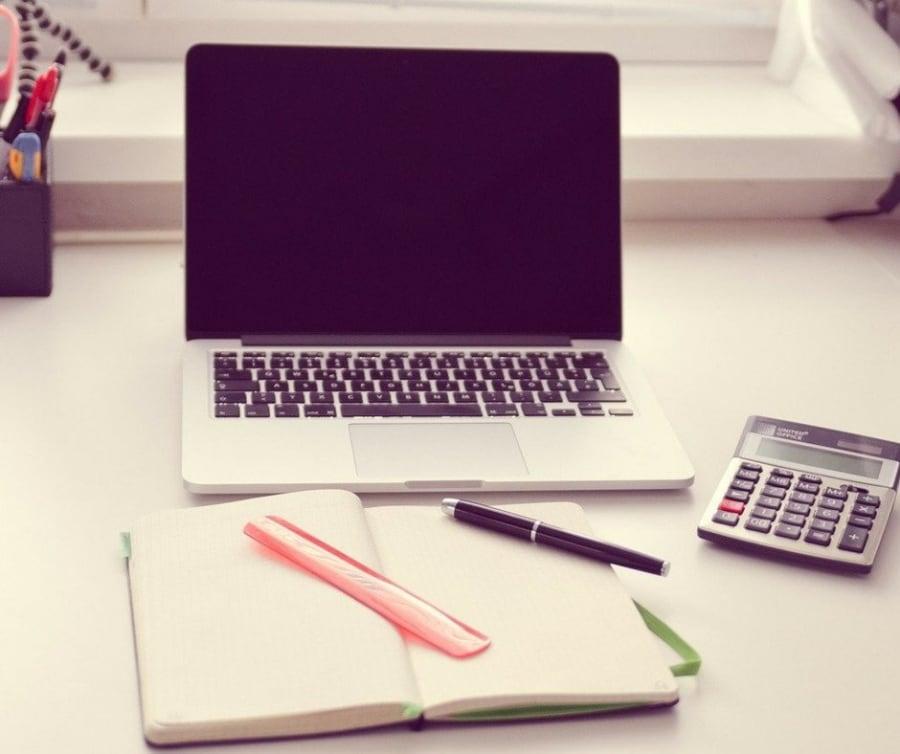 Desk insurance work